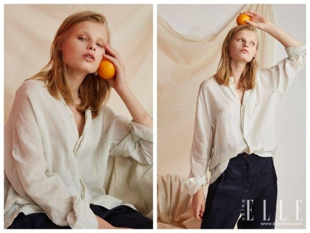 Đối với sơ mi trắng mặc đơn, sử dụng chất liệu đặc biệt hơn có thể nâng cao họa tiết.  So với bông thông thường, nó mỏng